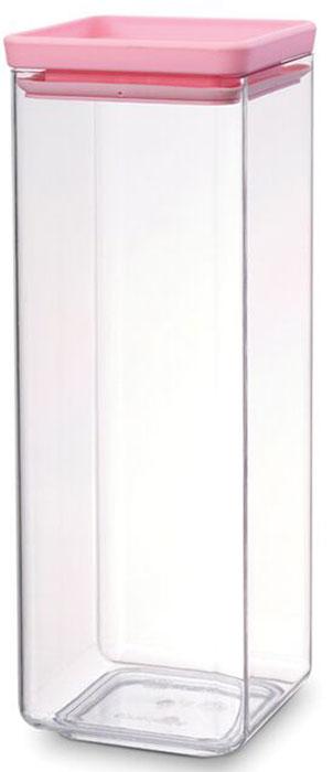 Контейнер пищевой Brabantia Tasty Colors, 2,5 л. 290169290169Этот симпатичный контейнер для хранения сыпучих продуктов украсит интерьер любой кухни, сэкономив при этом достаточно места – прямоугольная форма и модульная конструкция позволяют составлять контейнеры один на другой. Практично и красиво.- Занимает мало места – контейнеры имеют прямоугольную форму и составляются один на другой.- Продукты надолго сохраняют свежесть и аромат – силиконовый уплотнитель.- Хорошо видно содержимое и его количество.- Легко моется – можно мыть в посудомоечной машине.- Прочный и абсолютно прозрачный – изготовлен из пластика. - Входит в коллекцию «Tasty Colours».