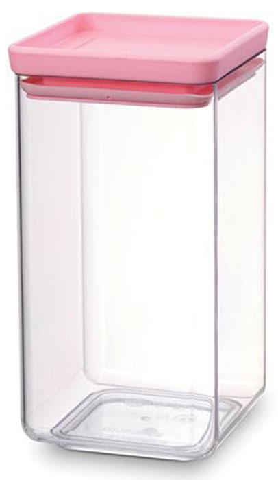 Контейнер для сыпучих продуктов Brabantia Tasty Colors, 1,6 л. 290145290145Занимает мало места – контейнеры имеют прямоугольную форму и составляются один на другой. Продукты надолго сохраняют свежесть и аромат – силиконовый уплотнитель. Хорошо видно содержимое и его количество. Легко моется – можно мыть в посудомоечной машине. Прочный и абсолютно прозрачный – изготовлен из пластика. Входит в коллекцию «Tasty Colours».