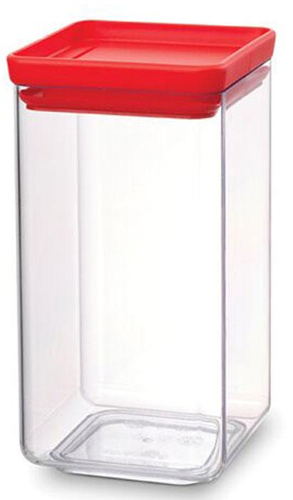 Контейнер для сыпучих продуктов Brabantia Tasty Colors, 1,6 л. 290022290022Занимает мало места – контейнеры имеют прямоугольную форму и составляются один на другой. Продукты надолго сохраняют свежесть и аромат – силиконовый уплотнитель. Хорошо видно содержимое и его количество. Легко моется – можно мыть в посудомоечной машине. Прочный и абсолютно прозрачный – изготовлен из пластика. Входит в коллекцию «Tasty Colours».