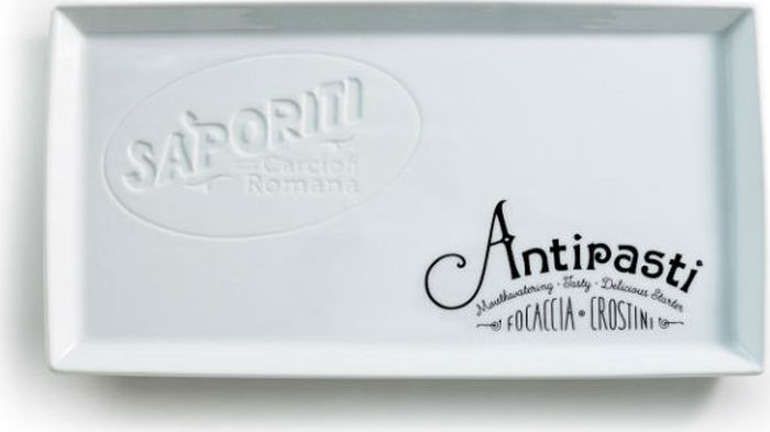 Тарелка сервировочная Rosanna Antipasti, цвет: белый, черный95740Стильная сервировочная тарелка Rosanna Antipasti предназначена для создания у вас праздничного настроения каждый день. Тарелка изготовлена из настоящего фарфора с глазурованным покрытием и оформлена надписью.Не рекомендуется использовать в микроволновой печи во избежание появления трещин.