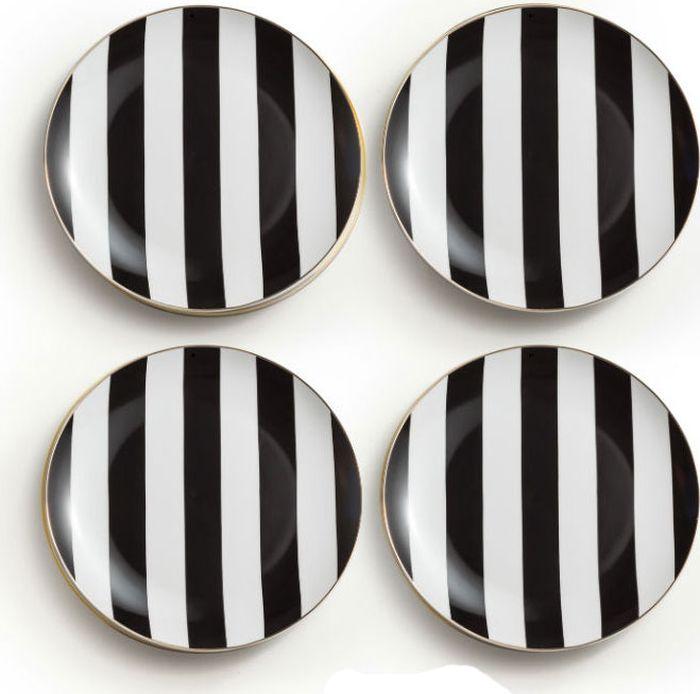 """Набор Rosanna """"Noire Plates"""" состоит из четырех тарелок, оформленных стильным принтом в  полоску. Изделия, изготовленные из высококачественного фарфора, с внешней  стороны выполнены с глазурованным покрытием. Такой набор будет не только отличным  подарком, но и порадует вас за столом."""