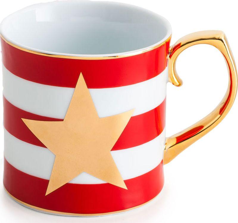 """Кружка Rosanna """"Red Stripes"""", выполненная из высококачественного фарфора, оформлена звездой и золотистым ободком. Изделие оснащено удобной и изящной ручкой. Кружка сочетает в себе оригинальный дизайн и функциональность. Благодаря такой кружке пить напитки будет еще вкуснее. Кружка Rosanna """"Red Stripes"""" согреет вас долгими холодными вечерами. Изделие упаковано в подарочную коробку.  Не рекомендуется использовать в посудомоечной машине и микроволновой печи."""