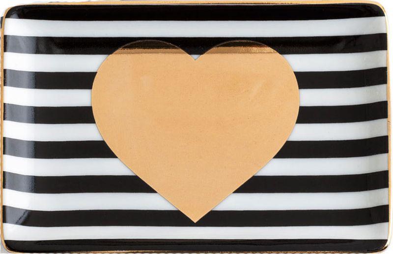 Поднос декоративный Rosanna Heart. 9694996949Поднос Rosanna, изготовленный из настоящего фарфора в изысканных расцветках, станет незаменимым предметом для сервировки стола и не оставит ни одну хозяйку равнодушной. станет незаменимым предметом для сервировки стола.Не рекомендуется использовать в микроволновой печи во избежание появления трещин.