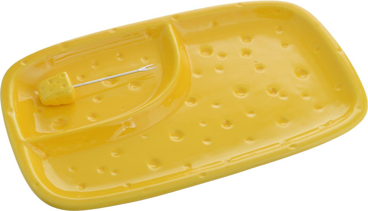 """Тарелка для сыра """"Elan Gallery"""", изготовленная из керамики, сочетает в себе изысканный дизайн с максимальной функциональностью. Красочность оформления придется по вкусу тем, кто предпочитает утонченность и изящность. Тарелка имеет две секции: одна предназначена для сыра, вторая - для меда, винограда или орехов. В комплект входит оригинальная вилка с наконечником.Тарелка """"Elan Gallery"""" украсит сервировку вашего стола и подчеркнет прекрасный вкус хозяйки, а также станет отличным подарком. Размер тарелки (по верхнему краю): 26 см х 15 см.Высота тарелки: 3 см.Длина вилки: 8,5 см."""