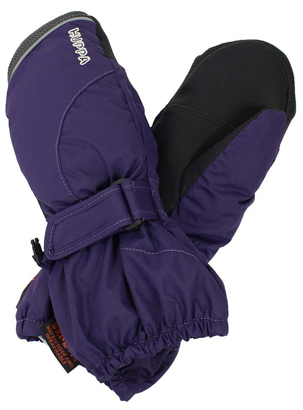 Варежки детские Huppa Maggie, цвет: фиолетовый. 8170BASE-70073. Размер 28170BASE-70073Детские варежки Huppa Maggie, изготовленные из высококачественного полиэстера, станут идеальным вариантом для холодной зимней погоды. Первоклассный мембранный материал и промежуточный слой SKY-DRY с теплой мягкой флисовой подкладкой, а также наполнитель из полиэстера надежно сохранят тепло и не дадут ручкам вашего малыша замерзнуть.Варежки дополнены удлиненными манжетами, которые помогут предотвратить попадание снега и влаги. На запястьях варежки собраны на эластичные резинки, что обеспечивает комфортную и надежную посадку. Изделие дополнено хлястиками на липучках, которые позволяют регулировать обхват манжет. С внешней стороны варежки оформлены светоотражающей полоской.