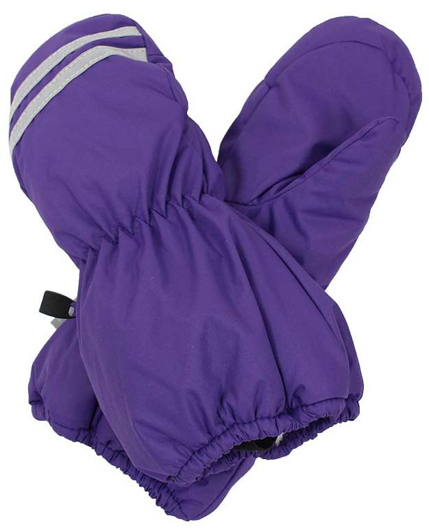 Варежки детские Huppa Roy, цвет: фиолетовый. 8110BASE-70053. Размер 38110BASE-70053Детские варежки Huppa Roy, изготовленные из высококачественного полиэстера, станут идеальным вариантом для холодной зимней погоды. Первоклассный мембранный материал с теплой подкладкой Coral-fleece, а также наполнитель из полиэстера надежно сохранят тепло и не дадут ручкам вашего малыша замерзнуть.Варежки дополнены удлиненными манжетами, которые помогут предотвратить попадание снега и влаги. На запястьях варежки собраны на эластичные резинки, что обеспечивает комфортную и надежную посадку. Варежки дополнены длинной эластичной резинкой.