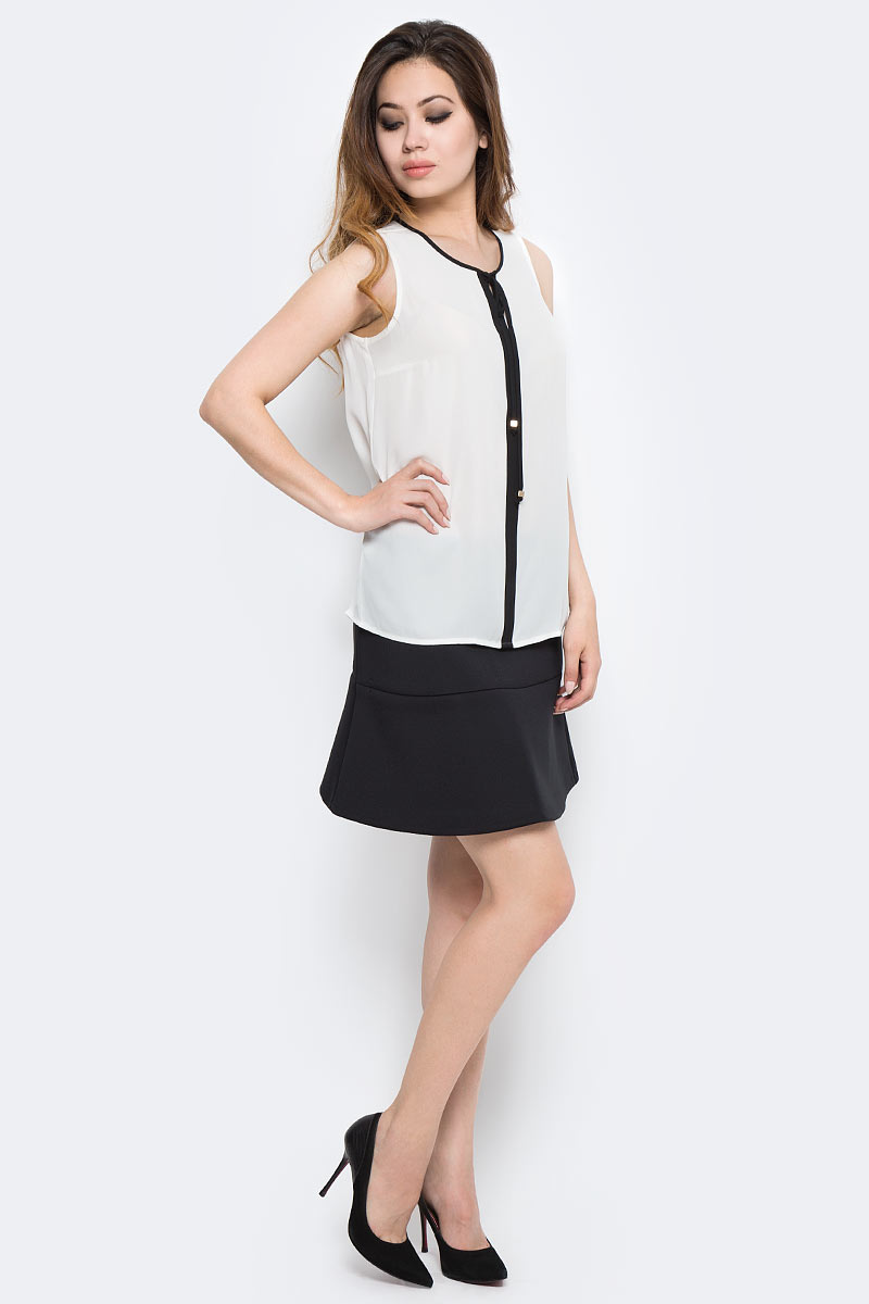 Блузка женская Sela, цвет: белый. Twsl-112/1290-7370. Размер 48Twsl-112/1290-7370Стильная женская блузка от Sela выполнена из высококачественного материала. Модель свободного кроя с круглым вырезом горловины и без рукавов.