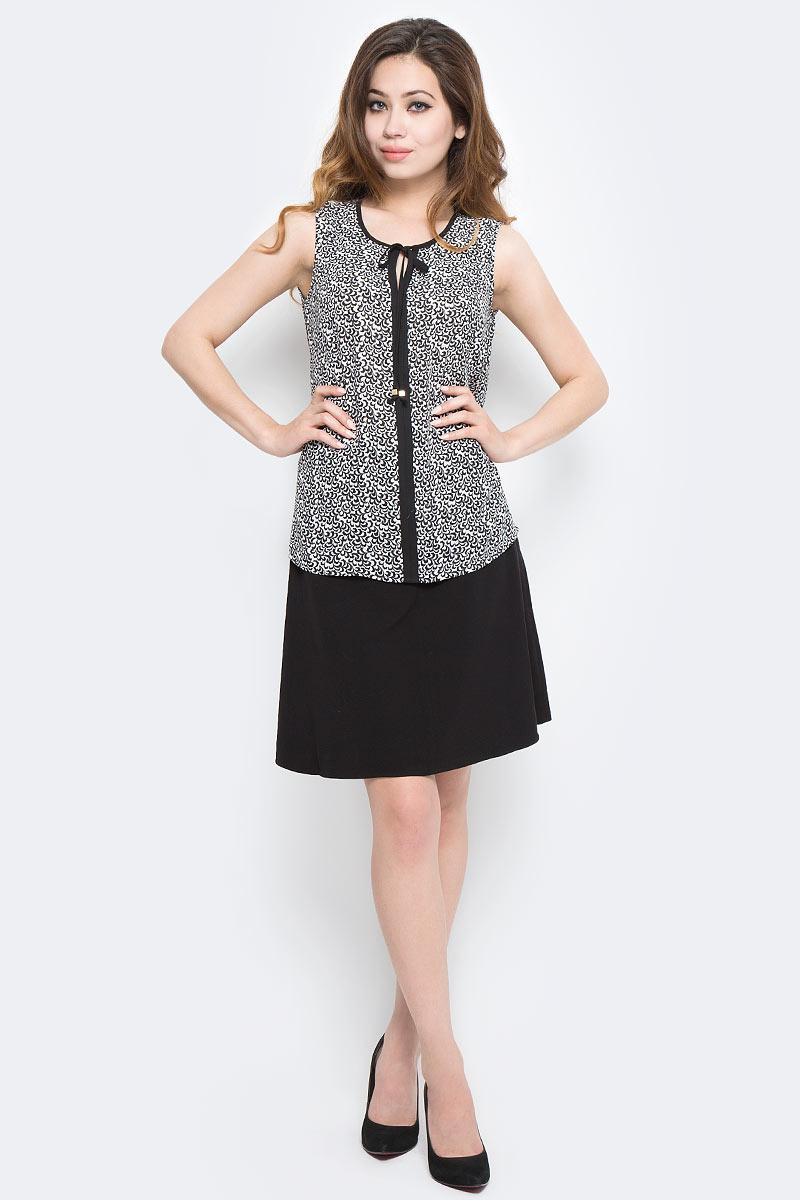 Блузка женская Sela, цвет: черный, белый. Twsl-112/1290-7370P. Размер 42Twsl-112/1290-7370PСтильная женская блузка от Sela выполнена из высококачественного материала. Модель свободного кроя с круглым вырезом горловины и без рукавов.