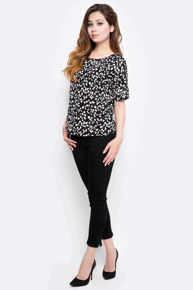Блузка женская Sela, цвет: черный, белый. Tws-112/1278-7320. Размер 46Tws-112/1278-7320Стильная женская блузка от Sela выполнена из высококачественного материала. Модель свободного кроя с круглым вырезом горловины и рукавами 3/4.