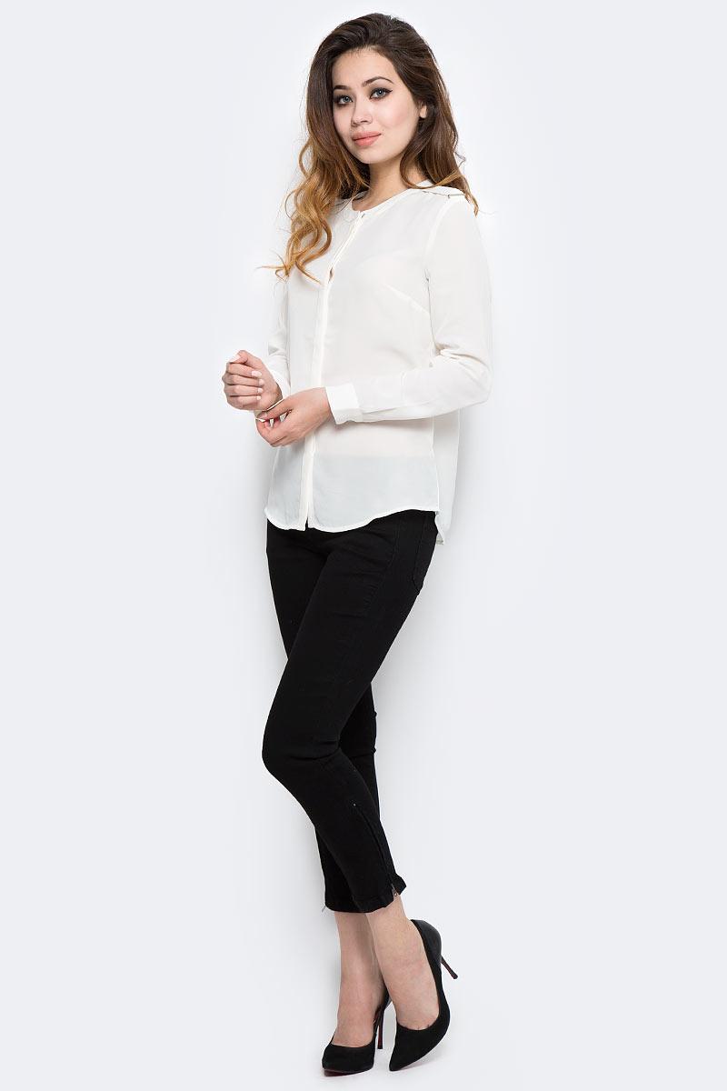 Блузка женская Sela, цвет: белый. B-112/1294-7370. Размер 46B-112/1294-7370Стильная женская блузка от Sela выполнена из высококачественного материала. Модель свободного кроя с круглым вырезом горловины и длинными рукавами застегивается на пуговицы.