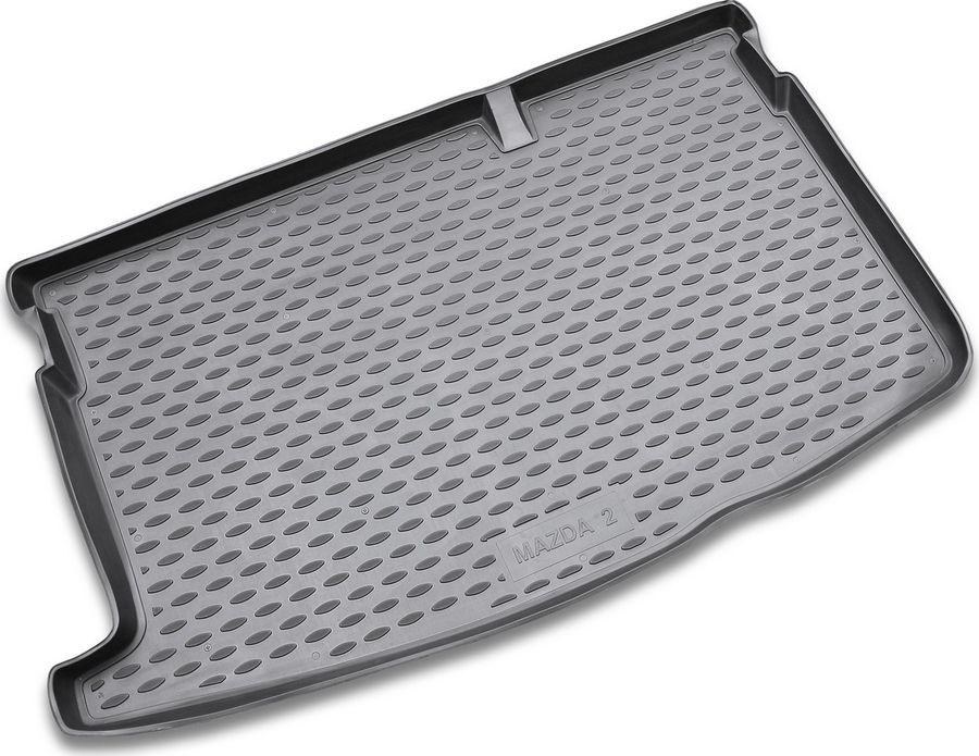 Коврик автомобильный Novline-Autofamily для Mazda 2 хэтчбек 2007-, в багажник, цвет: черныйNLC.33.15.B11Автомобильный коврик Novline-Autofamily, изготовленный из полиуретана, позволит вам без особых усилий содержать в чистоте багажный отсек вашего авто и при этом перевозить в нем абсолютно любые грузы. Этот модельный коврик идеально подойдет по размерам багажнику вашего автомобиля. Такой автомобильный коврик гарантированно защитит багажник от грязи, мусора и пыли, которые постоянно скапливаются в этом отсеке. А кроме того, поддон не пропускает влагу. Все это надолго убережет важную часть кузова от износа.Мыть коврик для багажника можно любыми чистящими средствами или просто водой. При этом много времени у вас уборка не отнимет, ведь полиуретан устойчив к загрязнениям.Если вам приходится перевозить в багажнике тяжелые грузы, за сохранность коврика можете не беспокоиться. Он сделан из прочного материала, который не деформируется при механических нагрузках и устойчив даже к экстремальным температурам. А кроме того, коврик для багажника надежно фиксируется и не сдвигается во время поездки, что является дополнительной гарантией сохранности вашего багажа.Коврик имеет форму и размеры, соответствующие модели данного автомобиля.