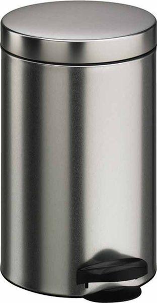 Мусорное ведро Meliconi, цвет: матовый стальной, объем 5 л4100Ведро для мусора Meliconi вместительностью 5 л. отличается практичностью в использовании и простотой в уходе. Благодаря небольшим габаритам прекрасно подойдет для ванной комнаты, туалета или кухни. Изготовлено из высококачественной матовой стали. Благодаря использованию качественных и прочным материалов туба ведра и крышка при нажатии не проминаются и не выгибаются. Защитое покрытие предохраняет поверхность изделия от разводов и отпечатков пальцев. Ведро оснащено отдельным внутренним пластиковым ведерком, которое обеспечивает удобную очистку и вынос мусора. Благодаря точному механизму крышка ведра открывается легко и плавно при нажатии на педаль, закрывается бесшумно и плотно, исключая попадание запахов в помещение. Пластиковое основание не позволяет ведру скользить по полу, защищая напольное покрытие от царапин и других повреждений. Стильный и лаконичный дизайн позволит ведру вписаться в любой интерьер.