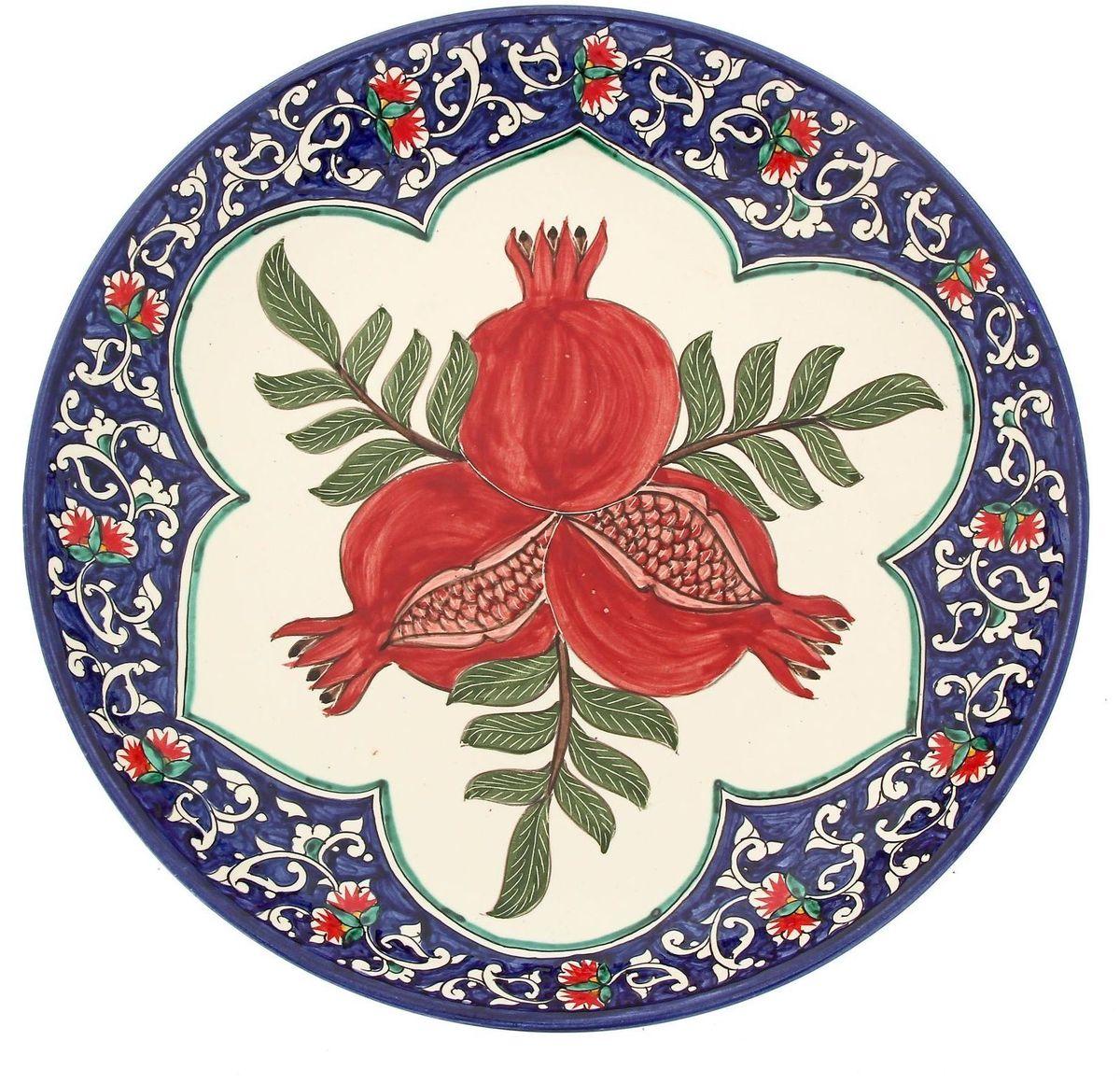 Ляган Риштанская керамика Три граната, диаметр 31 см1924231Ляган — это не просто обеденный атрибут, это украшение стола. Посуда с национальной росписью станет отменным подарком для ценителей высокородной посуды.Риштан — город на востоке Узбекистана, один из древнейших в Ферганской долине. С давних времён Риштан славится своим гончарным искусством изготовления цветной керамики. Красноватую глину для изделия добывают в самом городе. Мастера утверждают, что их глина настолько высокого качества, что даже не нуждается в предварительной обработке. Дополните коллекцию кухонных аксессуаров пряными восточными нотами.