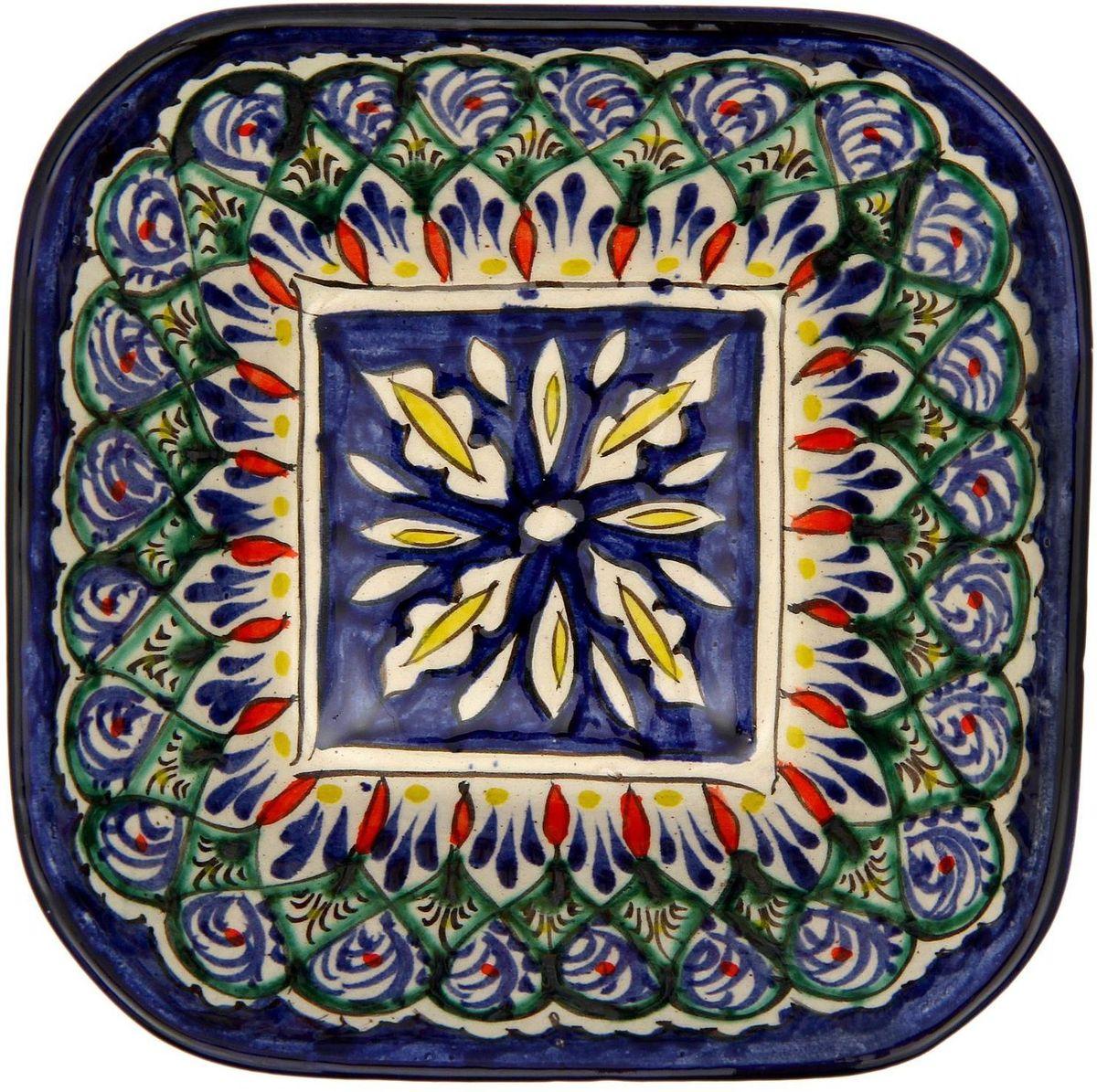 Салатница Риштанская керамика, 14 х 14 см2138709Узбекская посуда известна всему миру уже более тысячи лет. Ей любовались царские особы, на ней подавали еду шейхам и знатным персонам. Формула глазури передаётся из поколения в поколение. По сей день качественные изделия продолжают восхищать своей идеальной формой.Данный предмет подойдёт для повседневной и праздничной сервировки. Дополните стол текстилем и салфетками в тон, чтобы получить элегантное убранство с яркими акцентами.