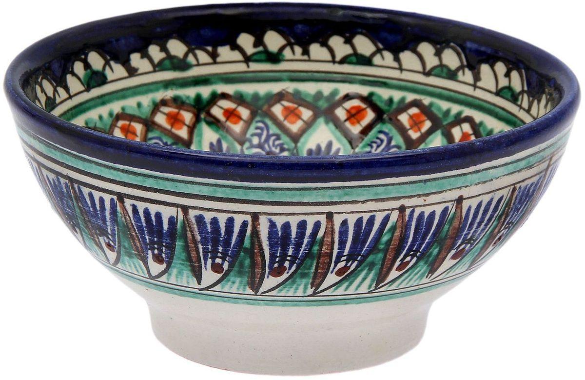 """Узбекская посуда известна всему миру уже более тысячи лет. Ей любовались царские особы, на ней подавали еду шейхам и знатным персонам. Формула глазури передается из поколения в поколение. По сей день качественные изделия продолжают восхищать своей идеальной формой. Коса """"Риштанская керамика"""" подойдет для повседневной и праздничной сервировки. Дополните стол текстилем и салфетками в тон, чтобы получить элегантное убранство с яркими акцентами. Диаметр: 15 см."""