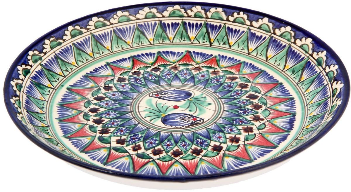 Узбекская посуда известна всему миру уже более тысячи лет. Ей любовались царские особы, на ней подавали еду шейхам и знатным персонам. Формула глазури передаётся из поколения в поколение. По сей день качественные изделия продолжают восхищать своей идеальной формой.Данный предмет подойдёт для повседневной и праздничной сервировки. Дополните стол текстилем и салфетками в тон, чтобы получить элегантное убранство с яркими акцентами.  Возможны отличия некоторых элементов рисунка от того, что представлено на фото. Товар расписывается вручную.