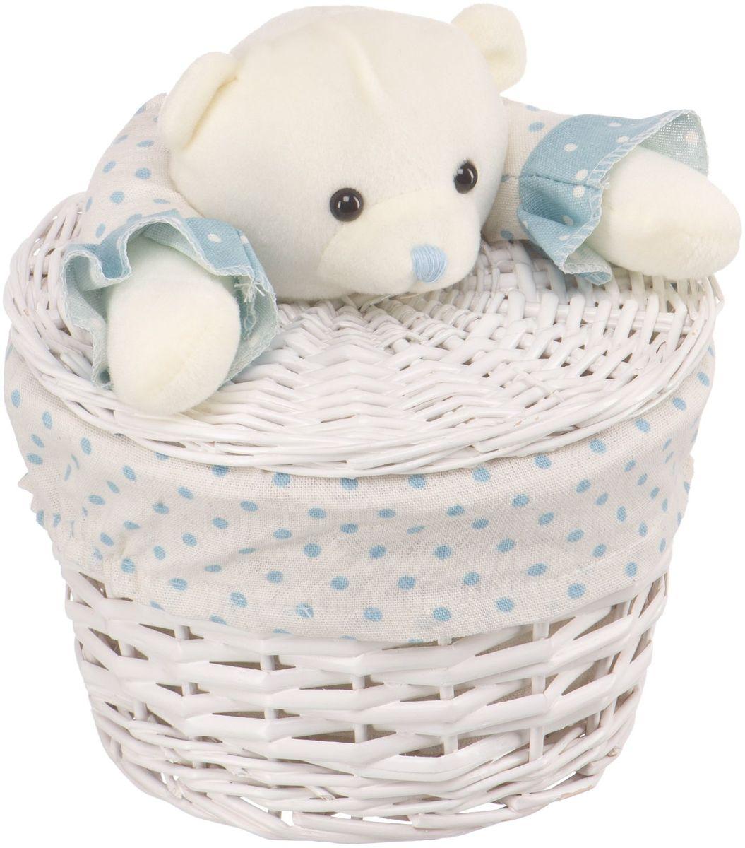 Корзина для белья Natural House Медвежонок синий, цвет: молочный, 21 х 21 x 16 смEW-33 XSБельевая корзина с игрушкой Медвежонок, выполненная из натуральных компонентов, отлично подойдет для детской. Корзина с мягкой игрушкой способна оживить обстановку и создать атмосферу добра и благополучия в любом помещении. В корзине легко и удобно хранить игрушки, белье и другие предметы.