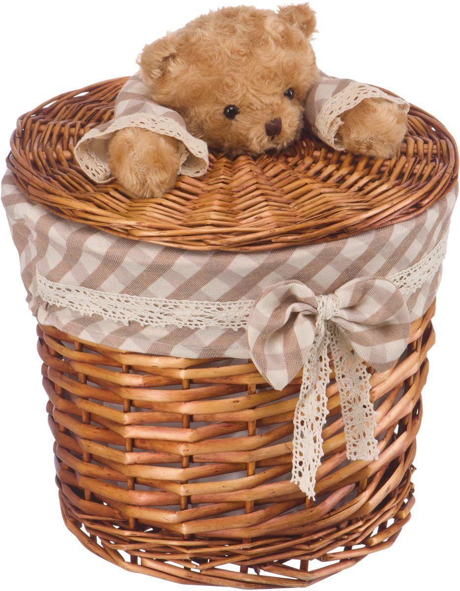 Корзина для белья Natural House Медвежонок, цвет: коричневый, 29 x 29 х 28 смEW-36 SСтеллажная корзина с игрушкой Медвежонок, выполненная из натуральных компонентов, отлично подойдет для детской. Корзина с мягкой игрушкой способна оживить обстановку и создать атмосферу добра и благополучия в любом помещении. В корзине легко и удобно хранить игрушки, белье и другие предметы.