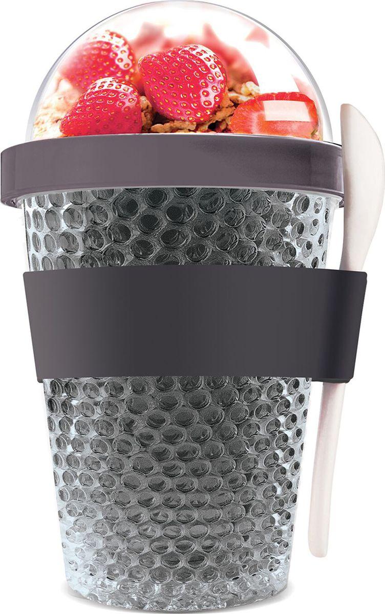 Контейнер Asobu Chill yo 2 go, цвет: серый, 380 млCY2GO smokeЗаполните контейнер вашим любимым йогуртом! Поместите свой любимый топпинг в крышку! И возьмите с собой в дорогу! Контейнер Asobu Yo2go improved позаботится о вашем вкусном десерте! Yo2go - контейнер для йогурта контеи десертов. Контейнер имеет жесткий акриловый корпус с двойными стенками. Включает в себя белую ложку из пищевого безопасного пластика ABS, которая помещается в силиконовое кольцо и никогда не выскользнет. Для удобного удерживания контейнер обернут силиконовой лентой. Особенности: 360 мл.Ложка из пищевого безопасного пластика ABS.Простой и функциональный дизайн.Жесткий прозрачный акриловый корпус с двойными стенками.Крышка.Экологичный.Идеален для работы и школы.
