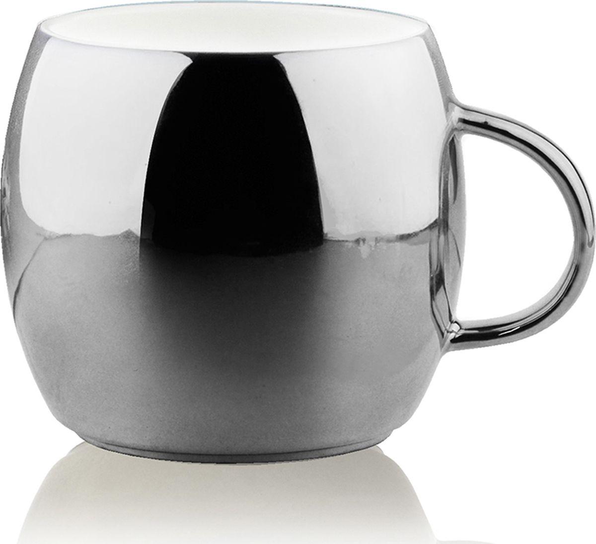Кружка Asobu Sparkling mugs, цвет: стальной, 380 млMUG 550 silverНасладитесь чашечкой горячего шоколада или любимого праздничного напитка с игристой коллекцией кружек Asobu Sparkling mugs. Глянцевое, полированное покрытие кружек мерцает и переливается, создавая особенное, праздничное настроение. * Обратите внимание, что в связи с глянцевым покрытием могут быть незначительные недостатки в отделке.Особенности: 390 мл.Экстраглянцевое покрытие.Яркие праздничные цветаИдеально подходит для горячего шоколада или других праздничных напитков.Мыть только руками! Не рекомендуется мыть в посудомоечной машине!