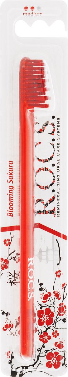 R.O.C.S. Зубная щетка Модельная, средняя жесткость, цвет: красный24664_салатовыйЗубная щетка R.O.C.S. Модельная разработана при участии стоматологов.Нетрадиционная скошенная подстрижка щетины обеспечивает: Эффективную чистку: качественное удаление зубного налета и поверхностных окрашиваний; Высокое качество очистки труднодоступных участков зубного ряда; Легкий доступ к дальним зубам.Тонкая ручка предотвращает излишнее давление при чистке. Высококачественная щетина разной высоты имеет закругленные и отполированные на концах текстурированные щетинки, которые обеспечивают быстрое и интенсивное очищение благодаря увеличенной очищающей поверхности и особенностям аквадинамики волокна. Товар сертифицирован.