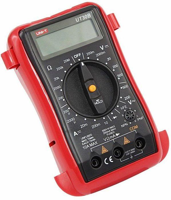 Портативный мультиметр Unit UT30B13-1003Мультиметр - электроизмерительный прибор который включает в себя несколько функций и набор измеряемых параметров. Все приборы серии UT-30 измеряют напряжение, сопротивление и ток в цепи. Прибор UT30B является портативным мультиметром, компактные размеры позволяют всегда носить его с собой. Но, несмотря на малые размеры, данный мультиметр обладает широким функционалом и это выгодно отличает его от других. Инженеры старались сделать прибор максимально удобным для использования. Выбор измеряемых величин и пределов измерений производиться с помощью усиленного поворотного регулятора, благодаря которому исключается возможность случайного нажатия. Мультиметр UT30B оснащен функцией Data hold, и зафиксировав результат измерений, вы в любое время сможете считать полученный значение. Дисплей прибора оснащен подсветкой, которая позволяет проводить измерения даже в слабоосвещенных местах. Прибор изготовлен из высококачественных материалов и комплектуется защитным чехлом, который позволит избежать повреждений прибора от падений и царапин. Мультиметр снабжен подставкой, которая позволяет разместить прибор на любой плоской поверхности. Калибровка и тестирование приборов произведено под контролем компании REXANT INTERNATIONAL.Характеристики:Постоянное напряжение: 200мВ/2000мВ/20В/200В/500В (0,5%+2)Переменное напряжение: 200В/500В (1,2%+10)Постоянный ток: 200мкА/2000мА/20мА/10А (1%+2)Сопротивление: 200Ом/2000Ом/20кОм/200кОм/20МОм (0,8%+2) 3х разрядный дисплейРучной выбор предела измеренийТест батареек: 1,5В/9В/12ВТестирование диодовРежим удержания измерений Data holdИндикатор разряда батареиИмпеданс: около 10МОмРазмер (мм): 130 x 73,5 x 35Тип батареи: 9В КронаВес: 156г.
