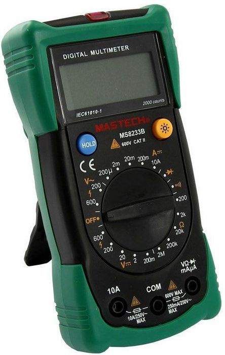 Мультиметр универсальный Mastech MS8233B13-2016Мультиметр - электроизмерительный прибор, который включает в себя несколько функций и набор измеряемых параметров. Все приборы данной серии измеряют постоянное и переменное напряжение, а так же постоянный ток и сопротивление в цепи. А так же с помощью данного прибора можно проводить тестирование диодов и осуществлять прозвонку целостности цепи.Прибор является портативным мультиметром, компактные размеры позволяют всегда носить его с собой. Но, несмотря на малые размеры, данный мультиметр обладает широким функционалом и это выгодно отличает его от других. Прибор имеет функцию удержания результата измерений Data hold, для тех случаев, когда измерения проводятся в труднодоступных местах и не всегда есть возможность взглянуть на экран.Инженеры старались сделать прибор максимально удобным для использования. Выбор измеряемых величин и пределов измерений производиться с помощью усиленного поворотного регулятора, благодаря которому исключается возможность случайного нажатия. Прибор изготовлен из высококачественных материалов, калибровка и тестирование приборов произведено под контролем компании REXANT INTERNATIONAL.Характеристики: Постоянное напряжение: 200mВ/2В/20м/200В (±0,5%+3), 600В (±0,8%+5). Переменное напряжение: 200В/600В (1,2%+10). Постоянный ток: 200мкА/2мА/20мА/200мА(±1,0%+3), 10A (±3,0%+5). Сопротивление: 200Ом/2КОм/20КОм/200Ком/2МОм (±0,8%+4). Дисплей: 4х разрядный. Электрический импеданс: менее 50 Ом. Размер (см): 14,5 х 7,3 х 4,5. Тип батареи: 9В типа Крона