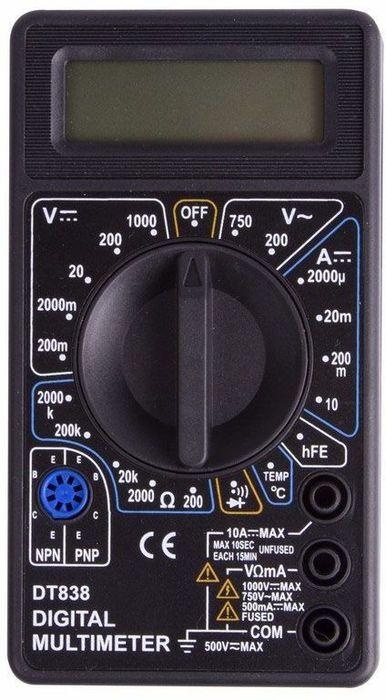 Портативный мультиметр PROconnect M838(DT838)13-3013Мультиметр - электроизмерительный прибор который включает в себя несколько функций и набор измеряемых параметров. Все приборысерии M838 измеряют постоянное и переменное напряжение, постоянный ток, сопротивление в цепи и даже температуру - модель М838. А также с помощью данного прибора можно проводить тестирование диодов. Прибор M838 является портативным мультиметром, компактныеразмеры позволяют всегда носить его с собой. Но, несмотря на малые размеры, данный мультиметр обладает широким функционалом и этовыгодно отличает его от других. Инженеры старались сделать прибор максимально удобным для использования. Выбор измеряемых величин ипределов измерений производиться с помощью усиленного поворотного регулятора, благодаря которому исключается возможностьслучайного нажатия. Прибор изготовлен из высококачественных материалов, калибровка и тестирование приборов произведено подконтролем компании REXANT INTERNATIONAL. Характеристики:Постоянное напряжение: 200mВ (±0.5%+3), 2000мВ/20В/200В (±0,8%+5), 1000В (±1,0%+5)Переменное напряжение: 200В/750В (±2,0%+10)Постоянный ток: 200мкА/2000мкА/20мА (±1.8%+2), 200мА (±2,0%+2), 10A (±2.0%+10)Сопротивление: 200Ом (±1,0%+10), 200Ом/20КОм/200КОм/2000КОм (±1,0%+4)Температура: от -40?до 150?(±1.0%+4), от150?до 1370?(±1,5%+15)Тестирование диодовПрозвонка целостности цепи 3,5х разрядный дисплей Размер (мм): 70x126x26 Тип батареи: Rexant 9В Крона (в комплекте)Вес: 108г