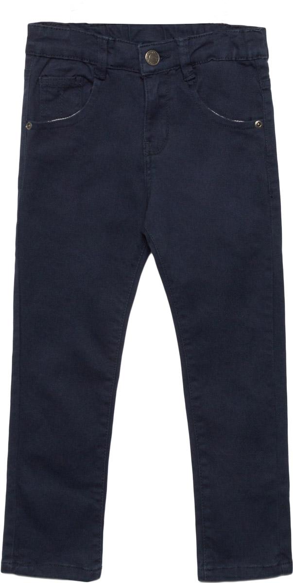 Брюки для мальчика Sela, цвет: синий. P-715/111-7310. Размер 104, 4 годаP-715/111-7310Брюки для мальчика Sela выполнены из высококачественного материала. Модель стандартной посадки застегивается на пуговицу в поясе и ширинку на застежке-молнии. Пояс имеет шлевки для ремня. Спереди брюки дополнены втачными карманами, а сзади - накладными.