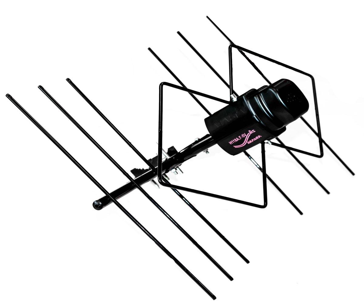 Дельта Н118A.F-5V уличная антенна (активная)15144Наружная активная антенна Дельта Н118A.F-5V предназначена для приёма сигналов эфирного цифрового телевещания с горизонтальной поляризацией в диапазоне дециметровых волн (21-60 ТВ каналы). Укомплектована широкополосным антенным усилителем, обеспечивающим компенсацию затухания сигнала в кабеле снижения и улучшение качества приёма слабых сигналов.Усилитель рассчитан на питание, подводимое по кабелю антенны от источника 5 В, встроенного в цифровую приставку DVB-T2 или ТВ-приёмник с DVB-T2 декодером. Антенна рассчитана для работы в интервале температур от минус 40 до плюс 50°С и предельном значении относительной влажности воздуха 100% при 25°С.