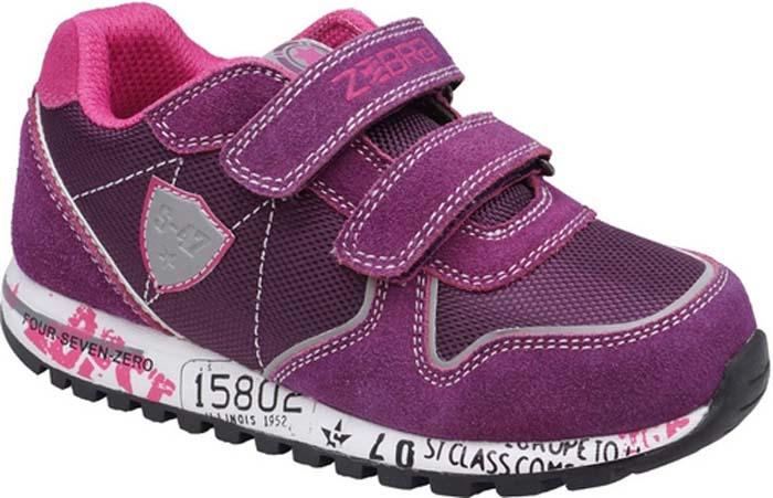 Кроссовки для девочки Зебра, цвет: сиреневый. 11914-20. Размер 2711914-20Кроссовки от фирмы Зебра выполнены из искусственной кожи и дышащего текстиля и оформлены контрастной прострочкой и нашивками. Застежки-липучки обеспечивают надежную фиксацию обуви на ноге ребенка. Подкладка выполнена из текстиля, что предотвращает натирание и гарантирует уют. Стелька с поверхностью из натуральной кожи оснащена небольшим супинатором с перфорацией, который обеспечивает правильное положение ноги ребенка при ходьбе и предотвращает плоскостопие. Подошва с рифлением обеспечивает идеальное сцепление с любыми поверхностями.