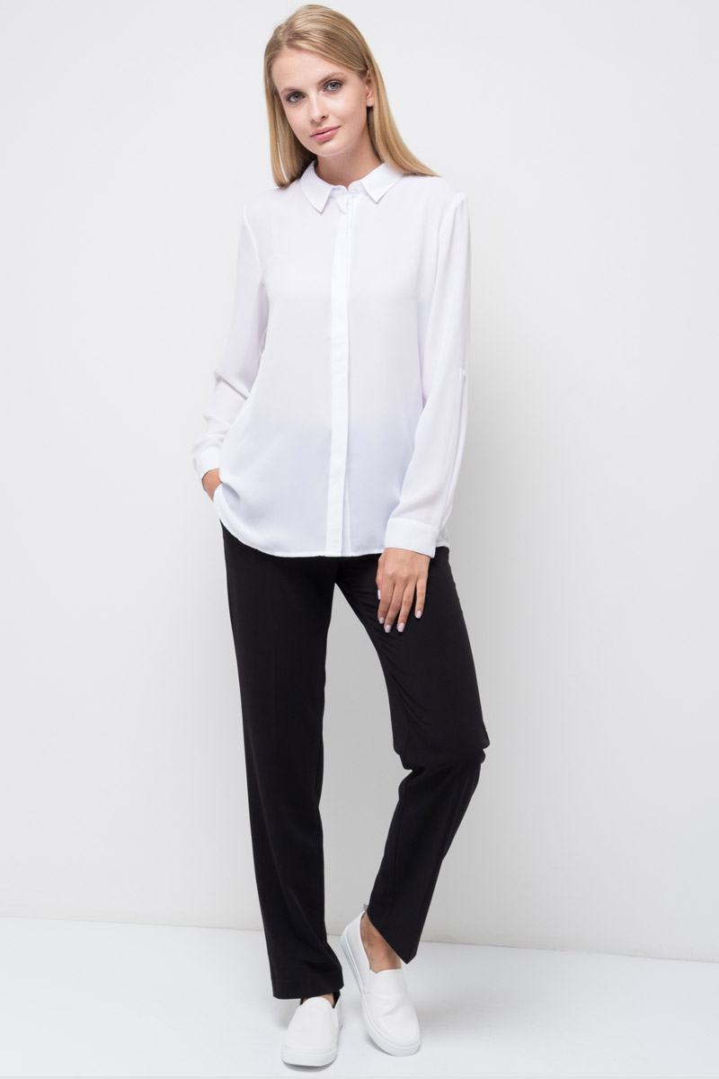 Блузка женская Sela, цвет: белый. B-112/944-7320. Размер 44B-112/944-7320Стильная женская блузка от Sela выполнена из высококачественного материала. Модель свободного кроя с отложным воротником и длинными рукавами застегивается на пуговицы.