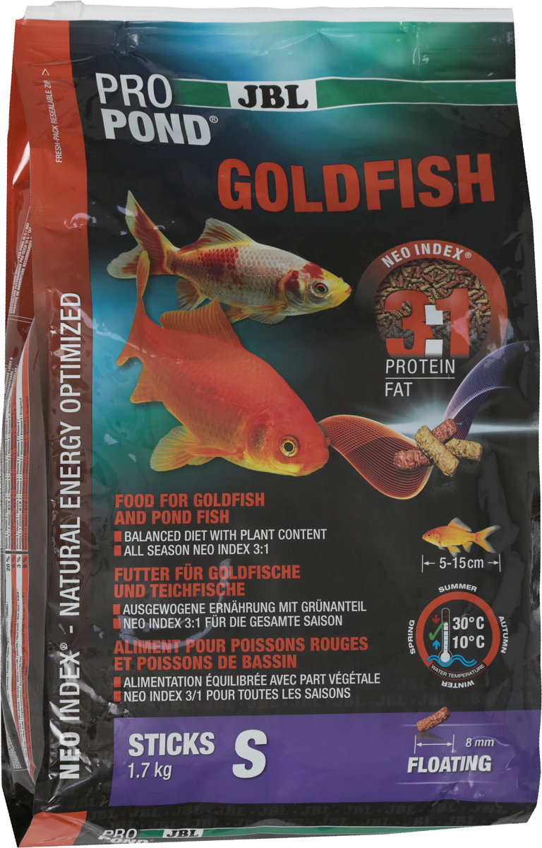 Корм JBL ProPond. Goldfish S для золотых рыбок небольшого размера, плавающие палочки, 1,7 кг (12 л)JBL4126400Корм JBL ProPond. Goldfish S в виде плавающих палочек предназначен для небольших золотых рыбок. Это основной корм с правильным соотношением белков и жиров 3:1 по индексу NEO Index, учитывающему температуру воды, функции, размер и возраст питомцев. NEO Индекс буквально означает: натуральное энергетически оптимизированное питание. Если рассматривать с точки зрения времени года, рыбы зимой должны получать вдвое меньше белков (2:1), чем летом (4:1). Однако учитываются не только время года и температура воды, но и размер, и возраст, а также функция корма (например, для роста - ProPond Growth). NEO Индекс сочетает в себе все эти нюансы. Корм содержит пшеницу, лосось, креветки и шпинат для силы и здоровья золотых рыбок (при температуре воды 10-30°С). Размер корма S (8 мм) предназначен для рыб 5-15 см. Плавающие палочки с 20% белка, 6% жира, 3% клетчатки и 9% золы. Корм в виде палочек хранится в закрывающейся герметичной свето- и водонепроницаемой упаковке для лучшего качества. Товар сертифицирован.