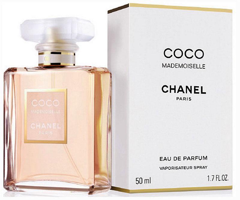 Chanel Mademoiselle Coco Парфюмерная вода, 50 мл01889Парфюмерная вода Coco Mademoiselle имеет свежую, яркую композицию, в которой гармонично сочетаются дерзкие и соблазнительные ноты. Аромат открывается взрывом цитрусовой прохлады апельсина, бергамота, апельсинового цвета и мандарина, обдающих свою обладательницу зарядом нескончаемой энергии.В сердце композиции властвуют цветы. Душистые благоухания иланг-иланга, турецкой розы, жасмина и мимозы сплетаются в необыкновенно обворожительный букет, наполняющий аромат романтизмом, шармом и задорным обаянием.В шлейфе парфюмерной воды Coco Mademoiselle аккорды мягкого обольщения уступают место страсти и чувственности. Томные ноты пачули, бобов тонка, ванили, ветивера, белого мускуса и опопонакса оставляют на коже свой манящий след, за которым по пятам готовы идти многие мужчины.
