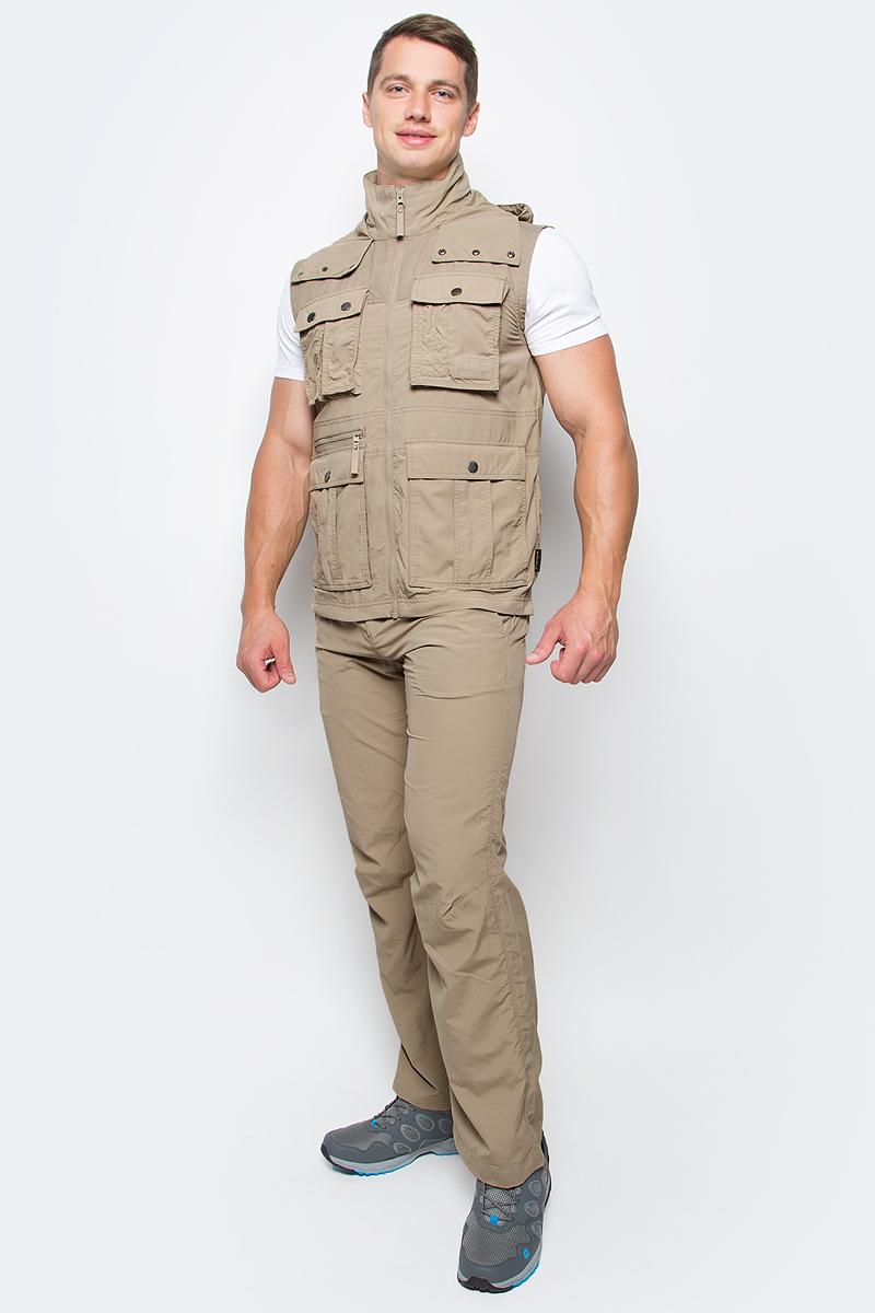 Жилет мужской Jack Wolfskin Atacama Vest, цвет: бежевый. 1304481-5605. Размер M (46)1304481-5605Жилет мужской Atacama Vest отлично подойдет для путешествий и ежедневной носки. Основная часть жилета выполнена из ткани SUPPLEX (100% полиамид). Это легкая, мягкая и быстро сохнущая ткань, которая, кроме всего прочего, обладает высокой защитой от ультрафиолета (UPF 40+). Плечи жилета усилены материалом FUNCTION 65 WAX (полиэстер с добавлением хлопка). Эта ткань обладает защитой от ветра, воды, она гладкая и приятная на ощупь. Модель застегивается на молнию. Спереди расположены 4 накладных объемных кармана с клапаном на кнопке, 2 боковых вшитых кармана и вшитый карман на молнии. Изделие имеет воротник-стойку и капюшон, который можно спрятать. Жилет невероятно компактный и легкий, он не займет много места у вас в рюкзаке.