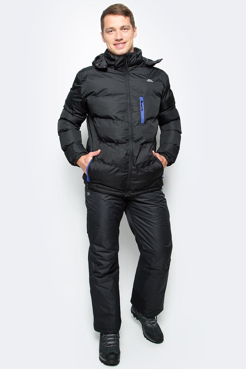 Куртка мужская Trespass Blustery, цвет: черный. MAJKCAK20004. Размер XL (54)MAJKCAK20004Мужская куртка Trespass Blustery выполнена из 100% полиэстера и застегивается на застежку-молнию. Утеплитель ColdHeat 360 г/м2 (синтетический, микроволоконный с функцией быстрого отвода влаги и высоким уровнем теплозащиты и износостойкости). Каждый простроченный шов от иглы оставляет сотни отверстий, через которые влага может проникать внутрь куртки. Применение технологии Taped Seams - обработка швов термо-пластичесткой лентой под высоким давлением - запечатывает швы, тем самым препятствуя проникновению влаги внутрь куртки, дополнительно обеспечивая вашему телу сухость и комфорт. Материал верха защищает от влаги (влагозащита - 5 000мм) и имеет дополнительное усиление от разрыва. Утепленный регулируемый капюшон. Прекрасно подойдет как для города, так и для отдыха на природе.