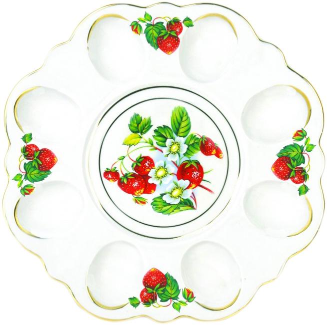 Блюдо для яиц Фарфор Вербилок Цветущая земляника. 2635149026351490Блюдо для яиц и кулича Фарфор Вербилок Цветущая земляника станет прекрасным подарком на Пасху и гармонично дополнит сервировку праздничного стола. Блюдо изготовлено из высококачественного фарфора и оформлено ярким рисунком и позолотой. От качества посуды зависит не только вкус еды, но и здоровье человека. Блюдо для яиц Фарфор Вербилок - товар, соответствующий российским стандартам качества. Любой хозяйке будет приятно держать его в руках. С такой посудой сервировка стола превратится в настоящий праздник.