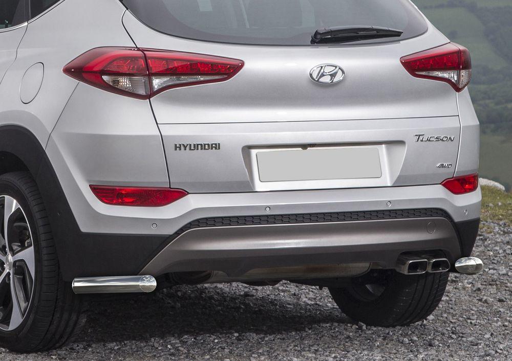 Защита заднего бампера Rival, для Hyundai Tucson 2015-, HighTech, d57 уголки+комплект крепежа, 2 штR.2308.013Стильное навесное оборудование Rival дополняет внешний вид автомобиля, придавая ему индивидуальность, позволяет защитить кузов и лакокрасочное покрытие от повреждений при столкновении во время парковки или во время движения в плотном потоке автомобилей.- Использование высококачественной нержавеющей стали(марка AISI 304, толщина стенки 1,5 мм) обеспечивает долговечную эксплуатацию. - Гарантия на сквозную коррозию и на целостность сварных швов - 5 лет.- Использование электроплазменной полировки позволяет добиться качественной равномерной зеркальной поверхности.- Установка в штатные места крепления не требует сверления и дополнительной доработки автомобиля.- Сохранение дорожного просвета (клиренса).- Возможность регулировки навесного оборудования при установке на автомобиле.- Продукт сертифицирован – нет проблем с постановкой на учет.- Производство на высокоточном оборудовании позволяет изготовить индивидуальный продукт с высокой точностью повторения геометрии автомобиля.- В комплекте крепеж и инструкция по установке.Совместимость с дополнительным оборудованием и аксессуарами Rival и с большинством оригинальных аксессуаров.