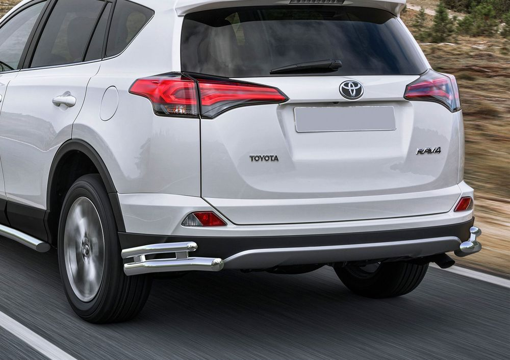 Защита заднего бампера Rival, для Toyota Rav 4 2015-, d57+d42 уголки+комплект крепежа, 2 штR.5718.005Стильное навесное оборудование Rival дополняет внешний вид автомобиля, придавая ему индивидуальность, позволяет защитить кузов и лакокрасочное покрытие от повреждений при столкновении во время парковки или во время движения в плотном потоке автомобилей.- Использование высококачественной нержавеющей стали(марка AISI 304, толщина стенки 1,5 мм) обеспечивает долговечную эксплуатацию. - Гарантия на сквозную коррозию и на целостность сварных швов - 5 лет.- Использование электроплазменной полировки позволяет добиться качественной равномерной зеркальной поверхности.- Установка в штатные места крепления не требует сверления и дополнительной доработки автомобиля.- Сохранение дорожного просвета (клиренса).- Возможность регулировки навесного оборудования при установке на автомобиле.- Продукт сертифицирован – нет проблем с постановкой на учет.- Производство на высокоточном оборудовании позволяет изготовить индивидуальный продукт с высокой точностью повторения геометрии автомобиля.- В комплекте крепеж и инструкция по установке.Совместимость с дополнительным оборудованием и аксессуарами Rival и с большинством оригинальных аксессуаров.