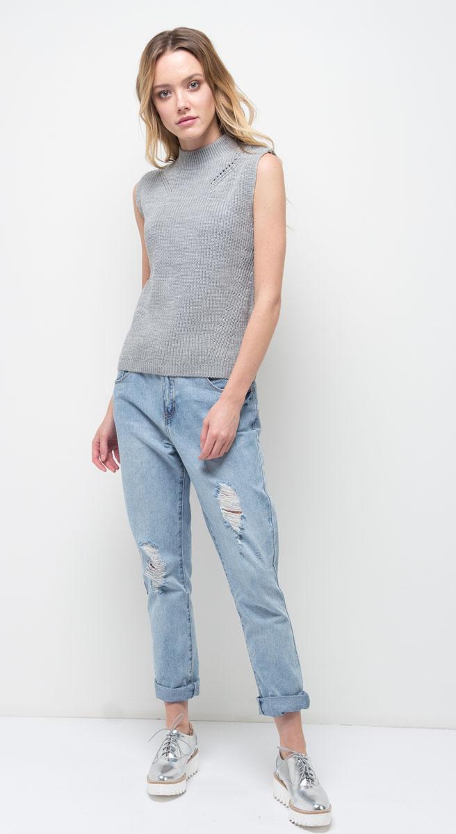 Джинсы женские Sela, цвет: голубой джинс. PJ-335/795-7310. Размер 31-32 (48)PJ-335/795-7310Женские джинсы Sela выполнены из качественного материала. Модель на талии застегивается на пуговицу и имеет ширинку на застежке-молнии. На поясе имеются шлевки для ремня. Джинсы представляют собой классическую пятикарманку: два втачных и накладной карманы спереди и два накладных кармана сзади.