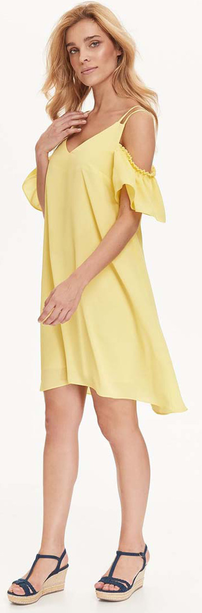 Платье Top Secret, цвет: желтый. SSU1942ZO. Размер 40 (48)SSU1942ZOИзящное платье Top Secret, изготовленное из полиэстера, станет отличным дополнением к вашему гардеробу. Модель на тонких бретелях имеет V-образный вырез горловины и трапециевидный крой.