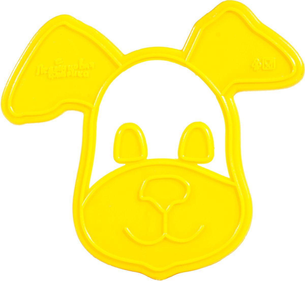Форма для печенья Леденцовая фабрика Собачка, цвет: желтый,9 х 8 смВ06Форма предназначена для вырезания теста. Размер готового печенья: 9 х 8 см.Формочки для печенья поместите на предварительно раскатанное тесто иоттисните узор. Снимите форму, и вы увидите не только контур печенья, но икрасивый внутренний рисунок.Попробуйте украсить печенье уже поготовому рисунку. Печенье получается красочным и праздничным!Готовьте вместе с детьми!