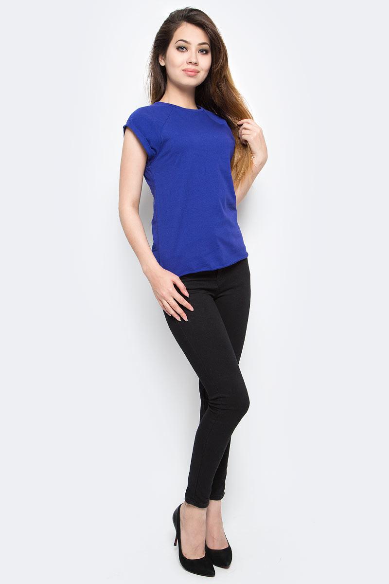 Футболка женская oodji Ultra, цвет: фиолетовый. 14707001-4B/46154/7501N. Размер XS (42)14707001-4B/46154/7501NЖенская футболка выполнена из хлопка. Модель с круглым вырезом горловины и короткими рукавами реглан, дополненными отворотом.