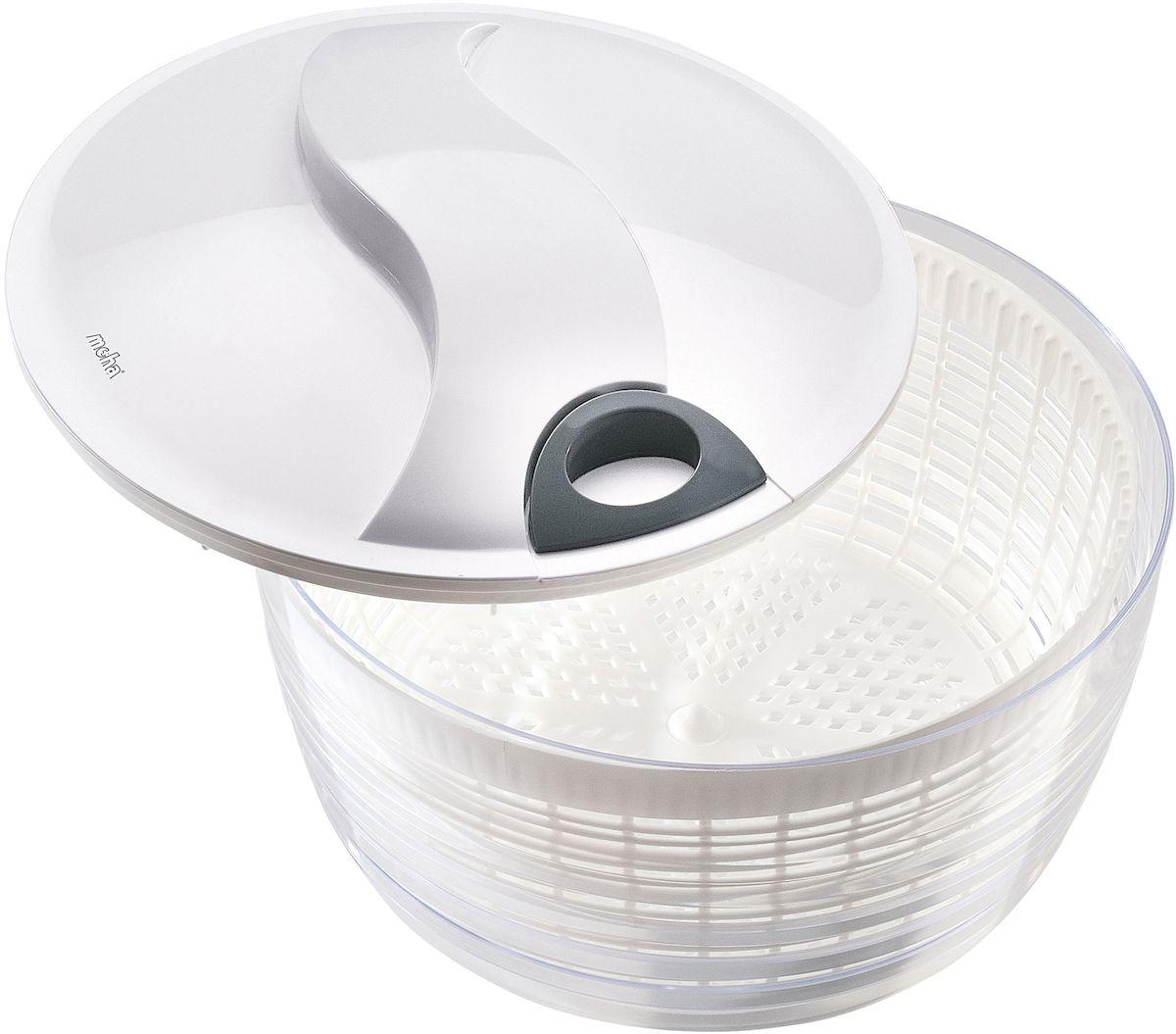 Сушилка для салатных листьев Moha Turby, цвет: белый, диаметр 26 см10505Сушка для салата Moha Turby применяется для удаления влаги с салатов и овощей после мойки. Сушка разбирается, что облегчает ее мытье. Плоская крышка обеспечивает удобство хранения емкости в холодильнике, благодаря чему зелень сохраняет свежесть в течение нескольких дней. Легка в применении: поместите зелень в корзину и промойте под проточной водой, поместите корзину в емкость и закройте крышку, возьмите ручку и прокрутите ручку. Корзина внутри начнет вращаться. В процессе вращения с зелени устраняются остатки воды и загрязнений. Остановите вращение. Ваша зелень готова к употреблению.Сито можно использовать как дуршлаг.