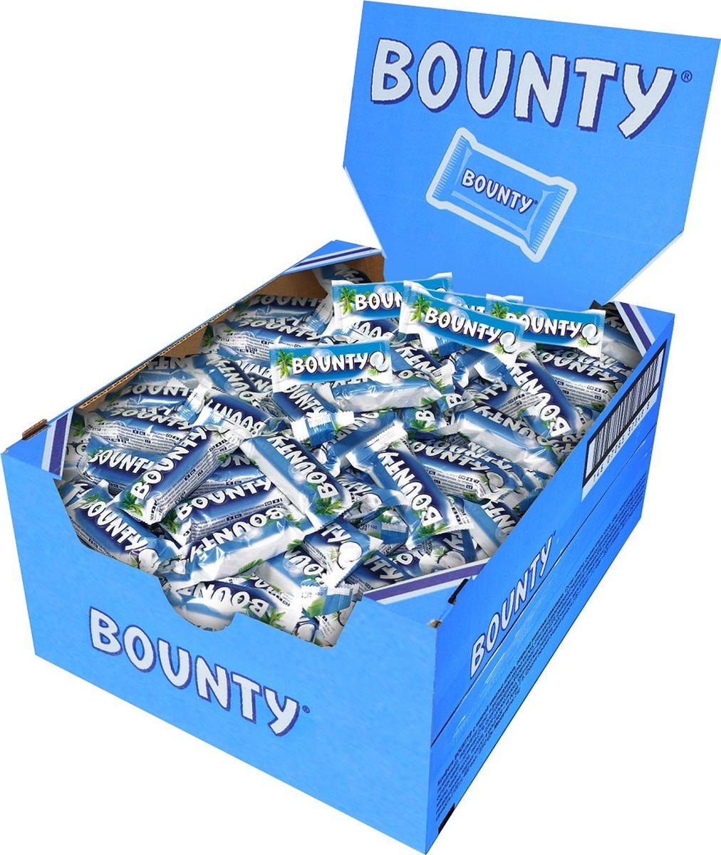 Bounty Minis шоколадный батончик, 3 кг0079007036Bounty - это нежнейшая мякоть кокоса, покрытая молочным шоколадом, изготовленным из отборных ингредиентов. Съешь Bounty и представь, что находишься на тропическом острове, забудь заботы и тревоги, получи райское наслаждение.