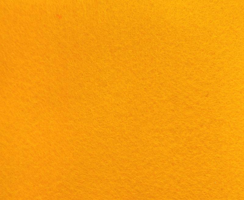 Фетр листовой для творчества Hemline Hobby, цвет: тыквенный, 30 х 45 см, 10 шт11.041.13Мягкий фетр Hemline Hobby, изготовленный из 100% полиэстера, используется для отделки готовых работ в разных техниках. Основное применение тонкого фетра - создание аппликаций, набивных игрушек, подушек, декора, бижутерии. Вы также можете его использовать для внутренней отделки шкатулки или подарочной коробки. Фетр напоминает бумагу, его также можно, резать, шить, клеить. Листы не лохматятся в месте разреза, что упрощает обработку краев. Материал хорошо приклеивается практически на любые поверхности, и не имеет лица и изнанки.В наборе - 10 листов.Размер листа: 30 х 45 см.Толщина листа: 1 мм.