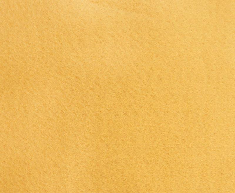 Фетр листовой для творчества Hemline Hobby, цвет: светлая охра, 30 х 45 см, 10 шт11.041.14Мягкий фетр Hemline Hobby, изготовленный из 100% полиэстера, используется для отделки готовых работ в разных техниках. Основное применение тонкого фетра - создание аппликаций, набивных игрушек, подушек, декора, бижутерии. Вы также можете его использовать для внутренней отделки шкатулки или подарочной коробки. Фетр напоминает бумагу, его также можно, резать, шить, клеить. Листы не лохматятся в месте разреза, что упрощает обработку краев. Материал хорошо приклеивается практически на любые поверхности, и не имеет лица и изнанки.В наборе - 10 листов.Размер листа: 30 х 45 см.Толщина листа: 1 мм.