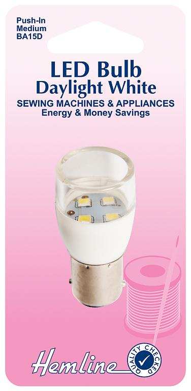 Лампочка для швейных машин Hemline, вставляющаяся, BA15D130.M.LEDВставляющаяся (штыковая) LED лампочка для швейных машин Hemline имеетсредний размер. Подходит для большинства современных швейных машин иоверлоков. Срок службы одной лампы составляет около 15000 часов, лампаэффективно расходует энергию, что позволяет сэкономить.Мощность: 0,6 Вт.Свет: дневной белый.Яркость: 20 Лм.Размер: 4,8 х 2,2 мм (1 7/8 х 7/8).