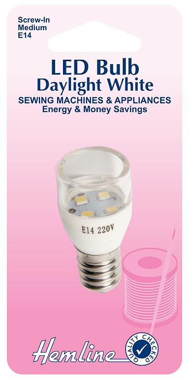 Лампочка для швейных машин Hemline, вкручивающаяся, Е14131.M.LEDВкручивающаяся LED лампочка для швейных машин Hemline имеет среднийразмер. Предназначена для современных швейныхмашин категории эконом-класса и отечественных швейных машин производствасоветского периода. Подходит к большинству популярных моделей швейныхмашин. Срок службы одной лампы составляет около 15000 часов, лампаэффективно расходует энергию, что позволяет сэкономить.Мощность: 0,6 Вт.Свет: дневной белый.Яркость: 20 Лм.Размер: 4,8 х 2,2 мм (1 7/8 х 7/8).