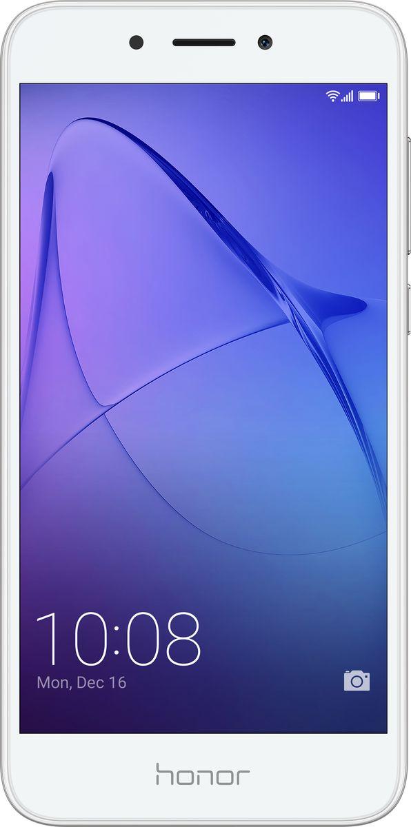 Huawei Honor 6A, Silver10232Металлический корпус Huawei Honor 6A с пескоструйной обработкой граней приятен на ощупь и удобно лежит в руке.Многофункциональный сканер отпечатков пальцев облегчает управление смартфоном. А технология энергосбережения позволяет использовать смартфон длительное время без подзарядки.Основная камера 13 Мпикс с технологией фазовой автофокусировки, скоростью фокусировки 0,5 с и 5-компонентным объективом позволяет делать превосходные фотографии с точной передачей цвета и мельчайших нюансов. Фронтальная камера 5 Мпикс передает четкое изображение при съемке селфи и при выполнении видеовызовов.Honor 6A оснащен 8-ядерным процессором Qualcomm, оперативной памятью 2 ГБ и встроенной памятью 16 ГБ с возможностью установки карт до 128 ГБ. На смартфоне установлен интерфейс EMUI 5.1 на платформе Android 7.0.Высокоскоростной сканер отпечатков пальцев смартфона Honor 6A позволяет разблокировать смартфон всего за 0,5 секунды. Также с его помощью можно снимать фото и видео, отвечать на входящие вызовы, отключать сигналы будильника, просматривать фотографии и выполнять другие операции.Батарея 3020 мАч смартфона Honor 6A поддерживает до 28 часов разговора в формате 2G, до 12 часов воспроизведения HD видео, до 10 часов работы в Интернете в 4G формате, а также до 57 часов прослушивания музыки. Батарея смартфона Honor 6A рассчитана на длительное использование, сохраняя около 80 % своей емкости даже после 800 повторных зарядок.5-дюймовый HD-экран смартфона Honor 6A передает четкое изображение. Режим защиты зрения снижает усталость глаз, автоматически регулируя яркость экрана и уменьшая УФ-излучение.Инновационный интерфейс EMUI 5.1 на базе Android Nougat дает возможность легко переключаться между стандартным рабочим экраном и экраном приложений, обеспечивая гибкую настройку смартфона согласно предпочтениям пользователя.Смартфон сертифицирован EAC и имеет русифицированный интерфейс меню и Руководство пользователя.